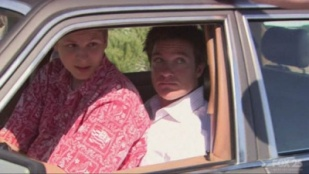 Arrested Development 02x01 : The One Where Michael Leaves (2)- Seriesaddict